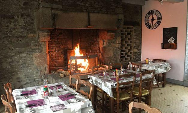 Le Relais Vainquais à Vains. Bar, Tabacs, Jeux et Restaurant.  Restauration à la cheminée.