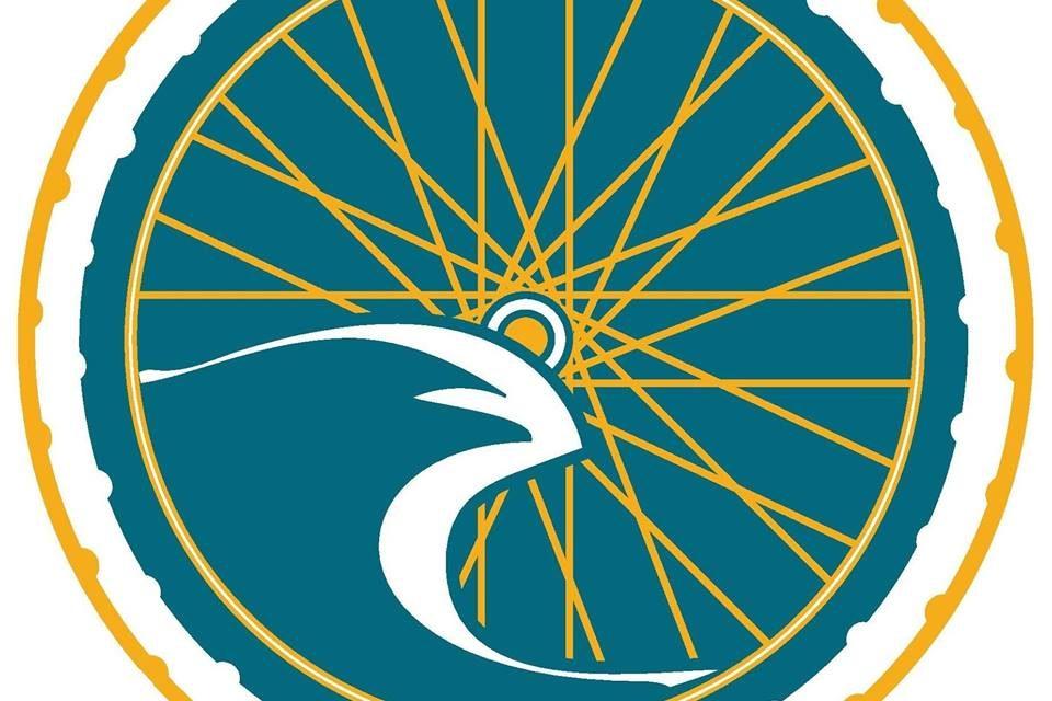 Les Grandes Roues à Granville vous propose la location de vélos, trottinettes et skates électriques pour découvrir le pays Granvillais autrement !