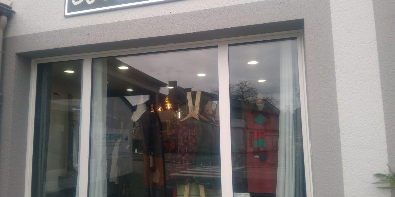 Cot& Ouest votre boutique de vêtements Femmes toutes tailles change d'adresse ! Retrouvez moi au N°2 Rue Pain d'Avaine à Isigny le Buat !