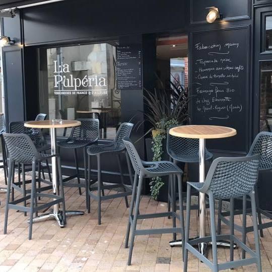 La Pulpéria à Granville. Restaurant, dégustation de plateaux tapas et de vins. Épicerie fine, produits du terroir et Idées Cadeaux.