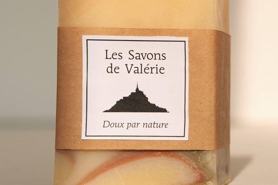 Les Savons de Valérie à Brécey. Fabrication de savons naturels ! Nouveau découvrez le shampoing ! Possibilité d'être livré à domicile !