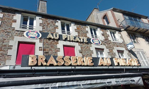 Votre Brasserie Le Pirate à Granville est ouverte ! Restaurant et café (Bar).Grande terrasse et grande salle intérieur. Notre carte et nos nouveautés sont ICI !
