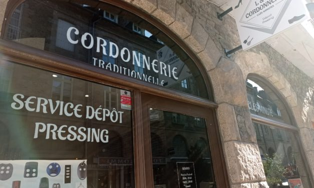 L & A Cordonnerie à Fougères vous propose la cordonnerie, les clés minutes et le dépôt pressing.
