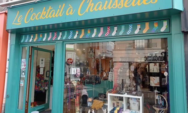 Le Cocktail à Chaussettes votre nouvelle boutique à Granville. Spécialiste des chaussettes, des collants et des maillots de bain de grandes tailles.