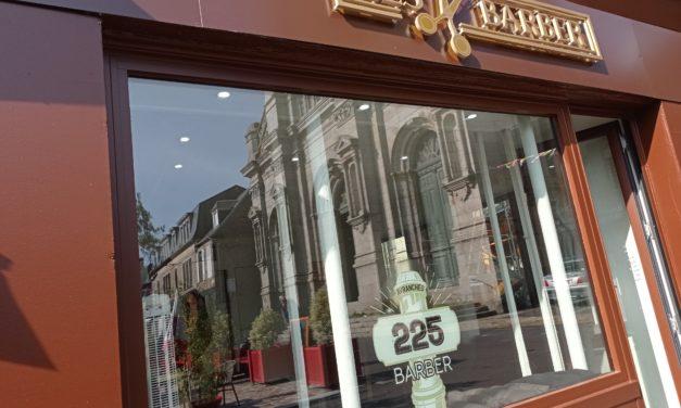 Tout nouveau à Avranches ! Découvrez 225 Barber au 9 Place St Gervais. Votre salon de coiffure et barbier.